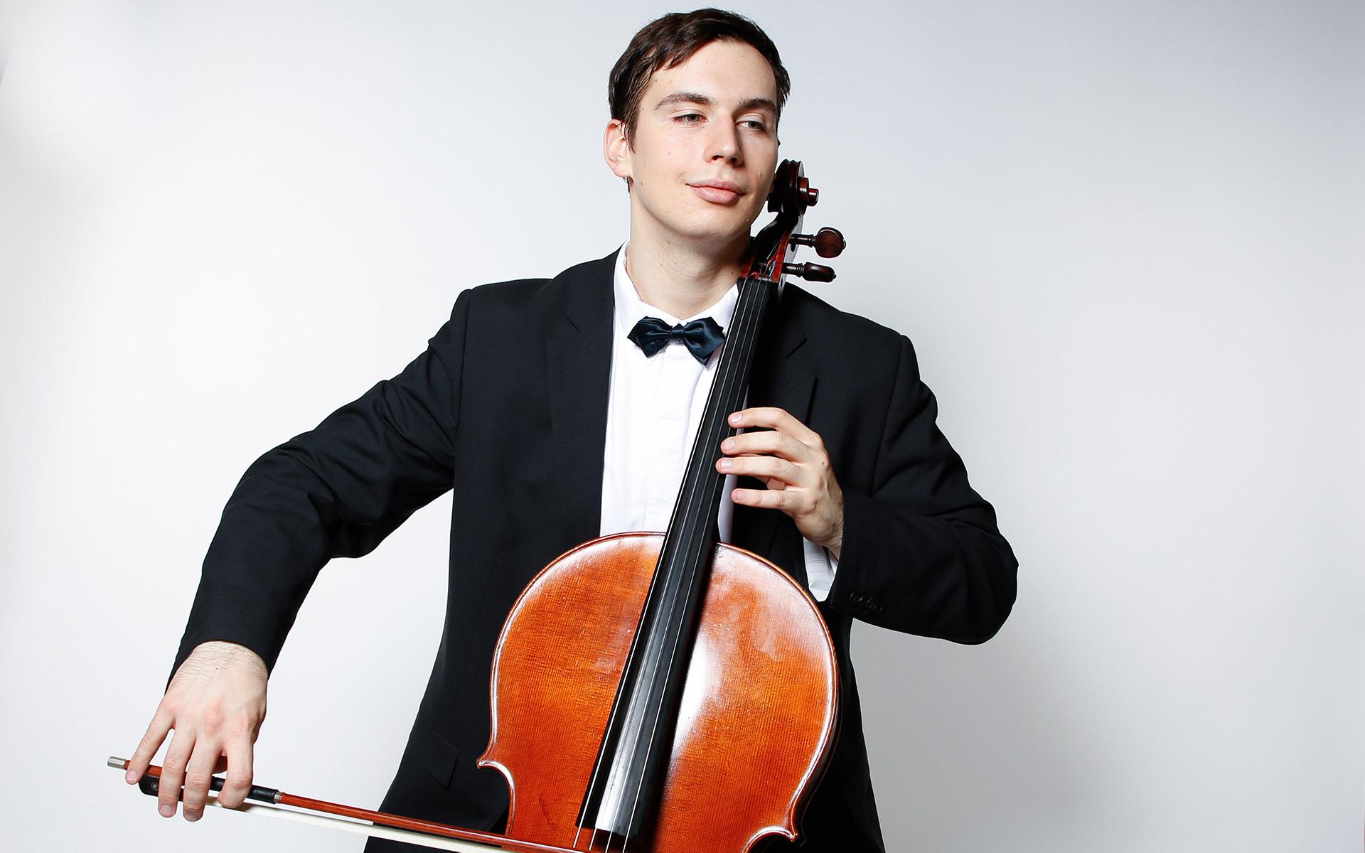 Maksim Fedcenko - Teestunde mit dem Cello